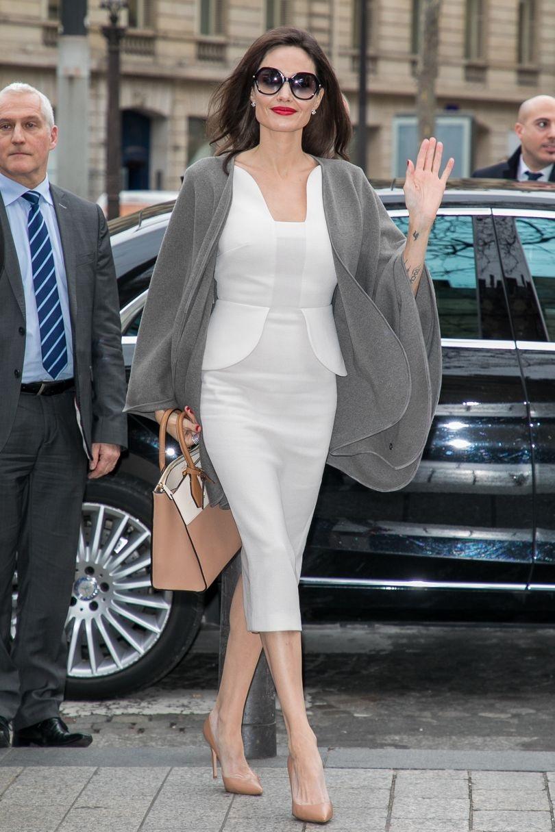 """تسوقي منتجات الموضة المرفقة لتحصلي على اطلالة راقية باللون الأبيض مستوحاة من """"أنجلينا جولي"""""""