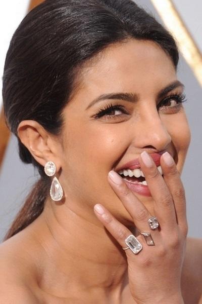 تسوقي مجوهرات الماس بأسلوب بريانكا شوبرا