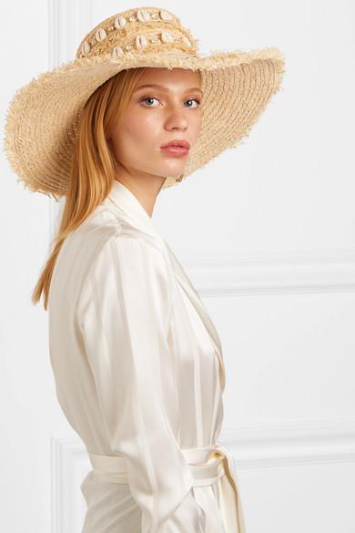 تسوقي أجمل قبعات القش المرفقة التي تضمن لك التألق في صيف 2019