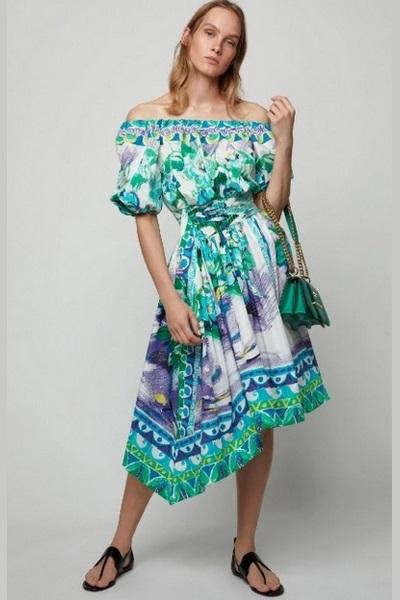 تسوقي منتجات الموضة المرفقة من موديلات أزياء اوف شولدرز التي مازالت موضة ربيع وصيف 2019.