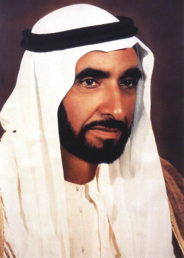 الإمارات تبكي الشيخ زايد في ذكراه العاشرة مجلة هي