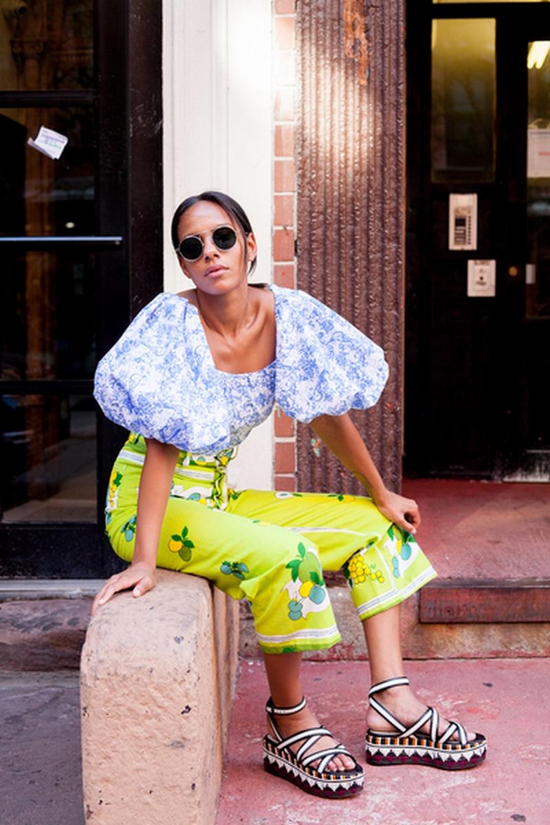 تسوقي منتجات الموضة المرفقة من أجمل موديلات بلايز ذات أكمام منفوخة موضة صيف 2019.