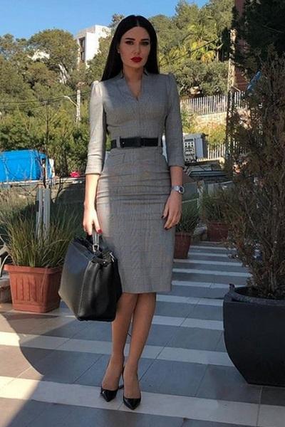تسوقي منتجات الموضة المرفقة من أجمل تصاميم الأزياء والاكسسوارات لتحصلي على اطلالة سيرين عبد النور.