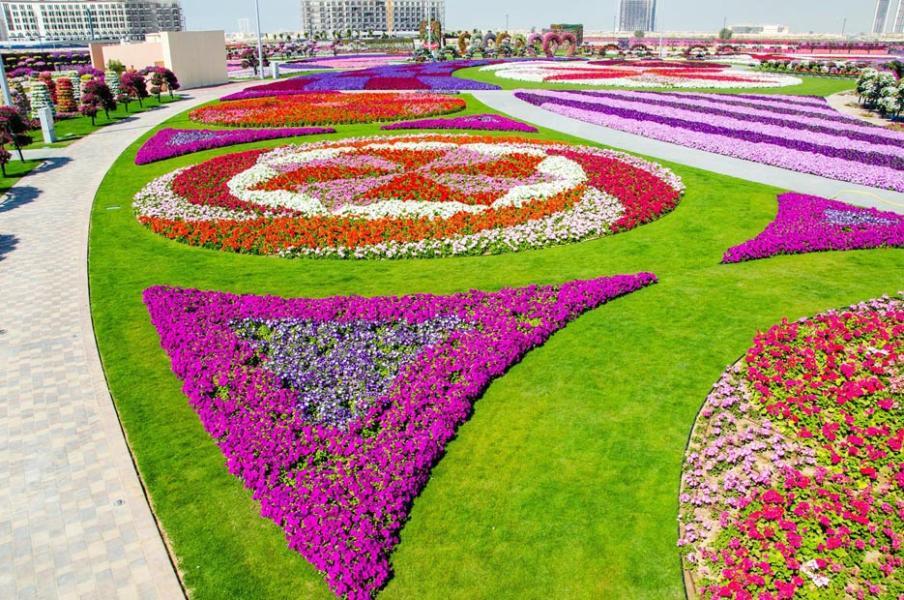 جولة في أكبر حديقة ورود في العالم
