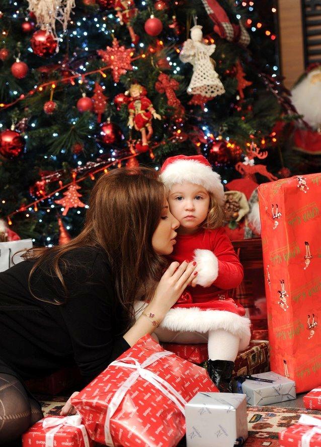 بالصور: أطرف لقطات نانسي عجرم مع إبنتيها