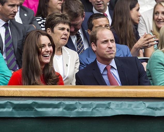 """الأمير وليام يتحدث عن """"القرد الصغير"""" جورج وحورية الجنة """"تشارلوت"""""""