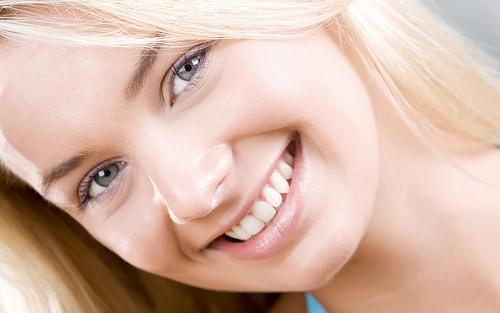 الضحك يساعد على مكافحة فقدان الذاكرة