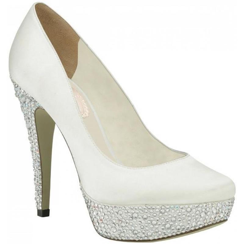 d226ef09ac3ca أجمل 10 أحذية أنيقة للعروس - مجلة هي