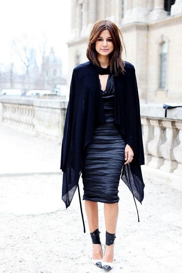 فساتين سوداء مستقيمة وكلاسيكية لإطلالاتك في السهرات