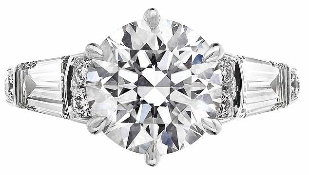 خاتم خطبة الأميرة بياتريس