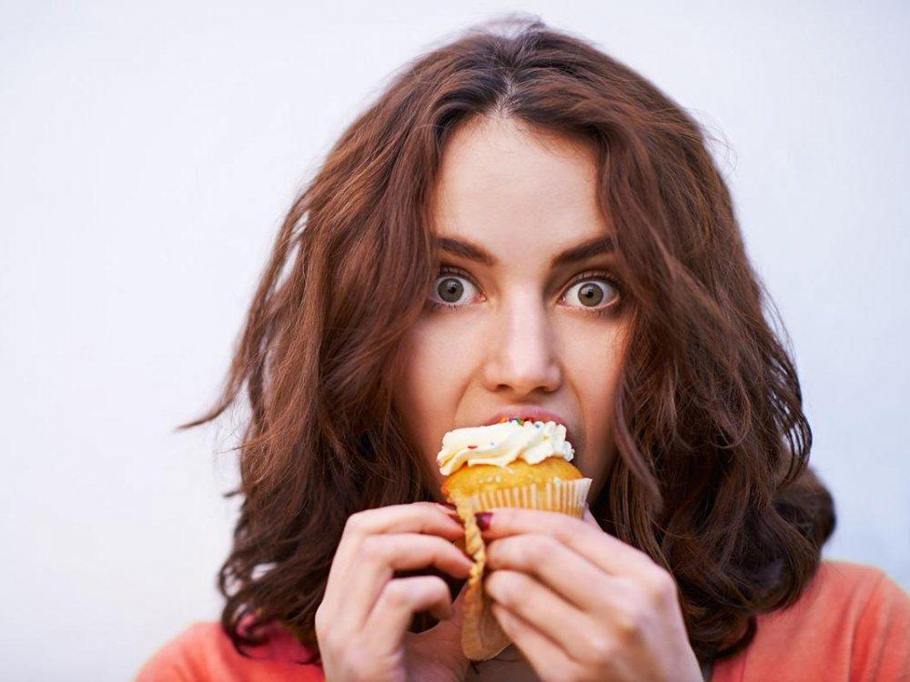 يتسبب انسحاب الكافيين من الجسم بالرغبة الشديدة في تناول السكر