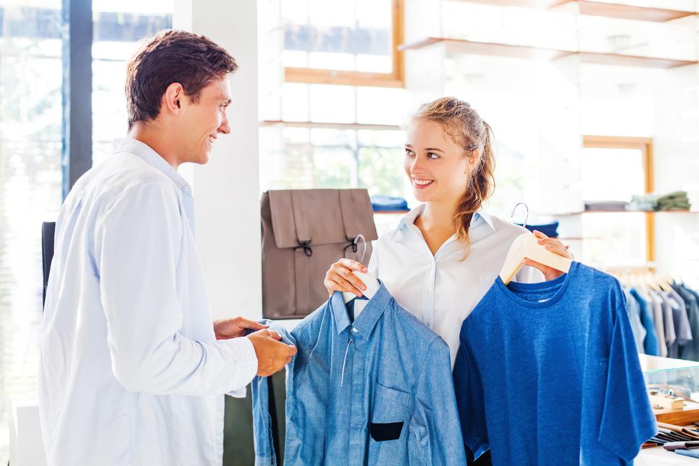 اتبعي سياسة الاقناع مع زوجك عند تدخله في ستايل ملابسك
