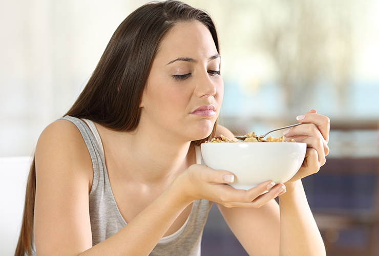 بعض الأطعمة تسبب حموضة الفم