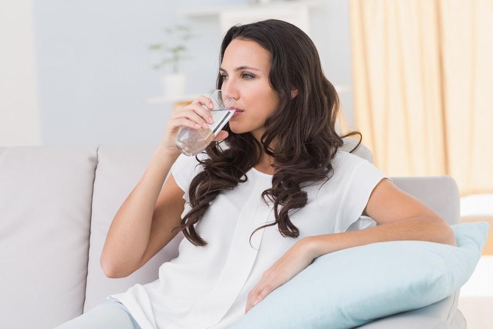 شرب المياه المعدنية ضروري للحفاظ على صحة الكبد وتعزيز وظائفه