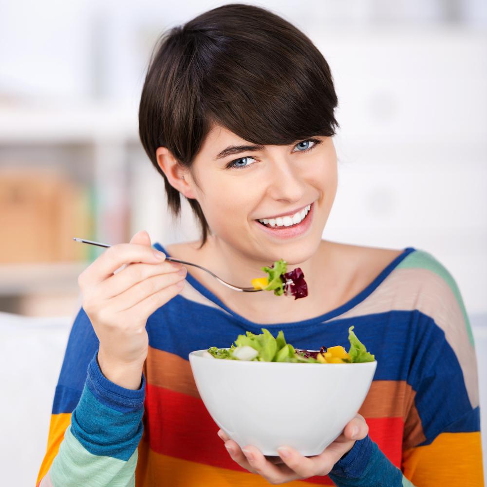 الخضروات الورقية الداكنة مع الصيام المتقطع لتخسيس الوزن
