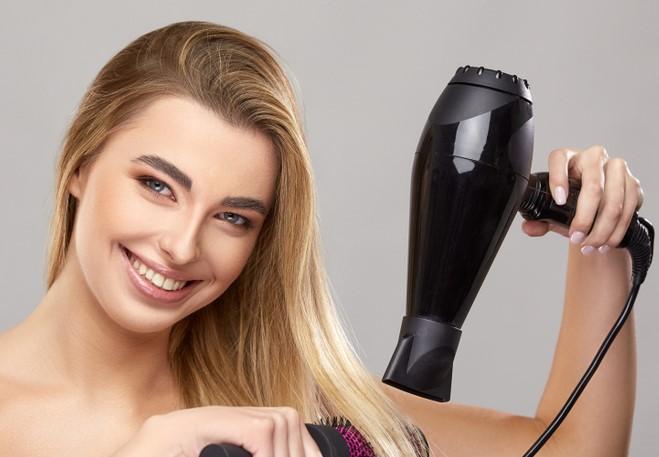 نصائح جمالية لتصفيف الشعر الضعيف المصبوغ في شتاء 2021