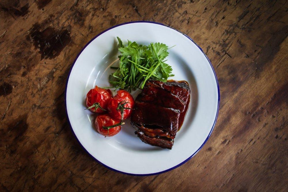 يجب تناول اللحوم مع الخضروات لتسهيل الهضم