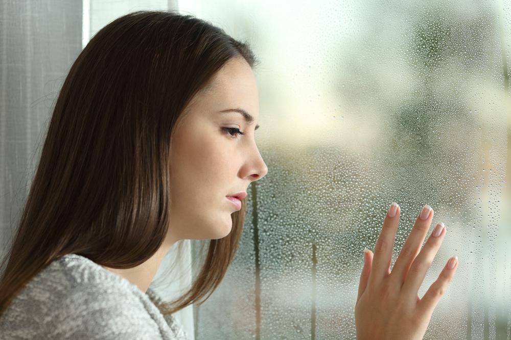 الشعور بالحزن من اعراض اكتئاب الشتاء