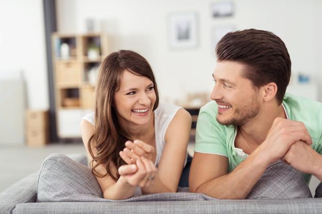 حفظ الأسرار من الأمور التي ترضي الرجل في الحياة الزوجية