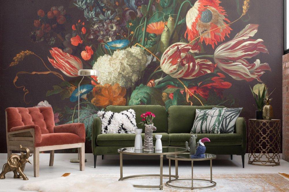 ورق جدران يحول حائط غرفة المعيشة إلى لوحة طبيعية رائعة