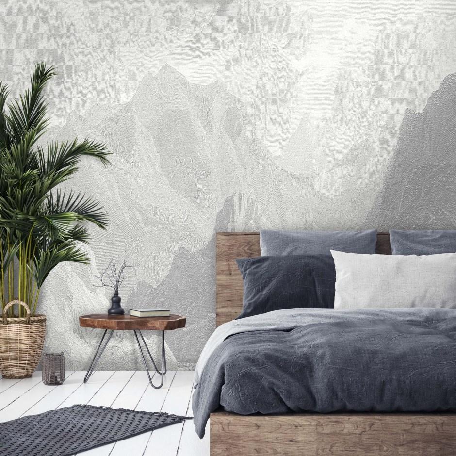 ورق جدران يعكس الطبيعة الجبلية ويحول جدار غرفة النوم إلى لوحة فنية