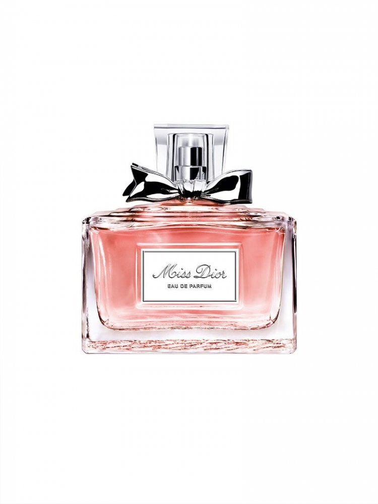 a42e3fcb6 عطر Miss Dior الجديد.. مصنوع بالحبّ لتفوح منه رائحة الحبّ! - مجلة هي
