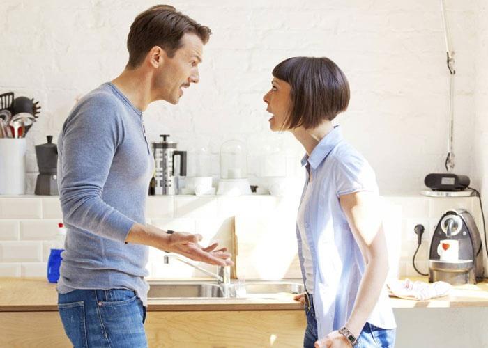 تصرفات تجعل زوجك يهرب من المنزل مثل الخلافات الدائمة