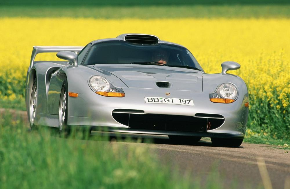 790cfbacb السيارة بورش 1998 911 GT1 Strassenversion-بسعر 5.66 مليون دولار