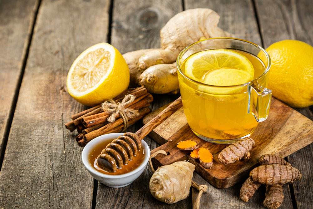 عصير الليمون بالكركم يحارب كورونا والاكتئاب ويساعد على انقاص الوزن