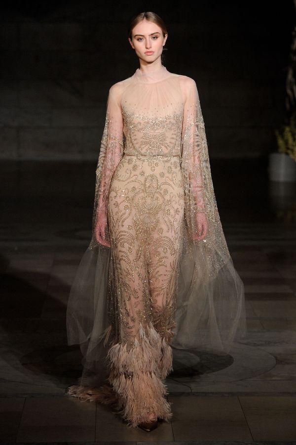 2fac1b570 اختاري فستان الزفاف المثالي بالأكمام الطويلة - مجلة هي