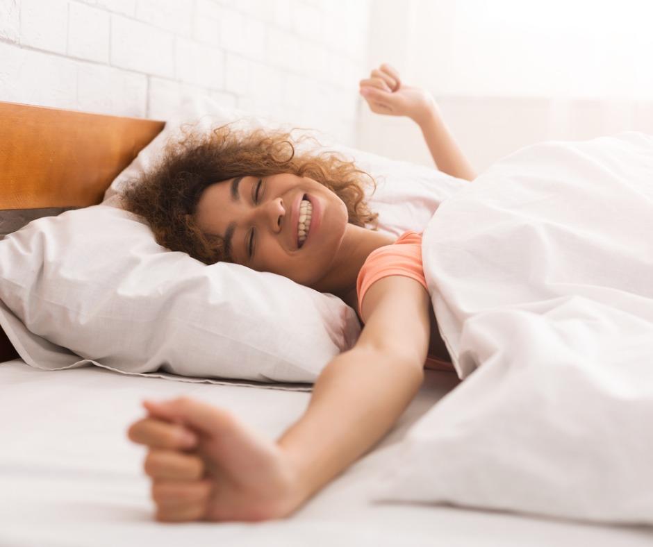 النوم الصحي يساعد على إفراز هرمون الميلاتونين