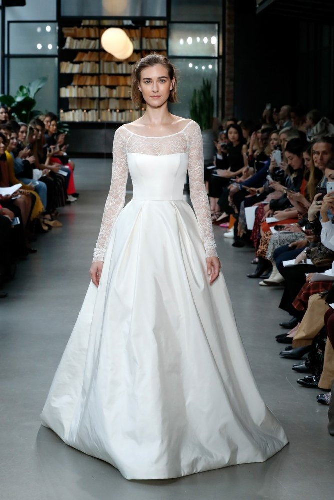 c55a143a28811 فساتين زفاف امسال Amsaleفي اسبوع الموضة العرائسي نيويورك خريف 2019 - مجلة هي