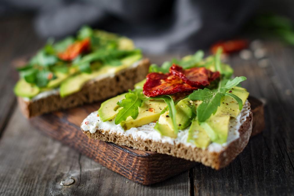 الزبادي ضمن وجبة الافطار الصحية المخصصة لانقاص الوزن