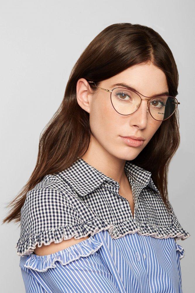 38139398e نظارات طبية لتصحيح النظر و لإطلالة عصرية أنيقة! - مجلة هي