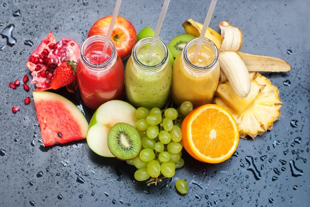 اضافة الفواكه الى العصير الاخضر ترفع السكر في الدم وتزيد الوزن