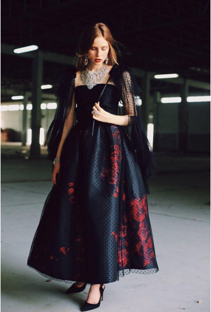 6f29db446 مصممة الأزياء الإماراتية حصة الجوكر لـ