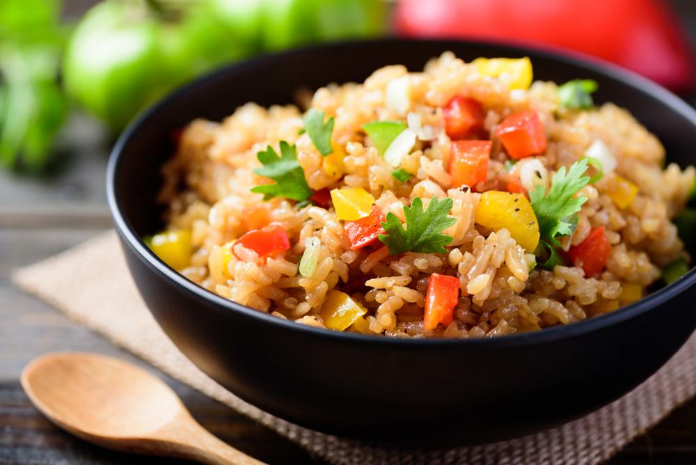 رجيم الارز التنازلي تعتمد مراحله على تناول الخضروات والفواكه وليس البروتين