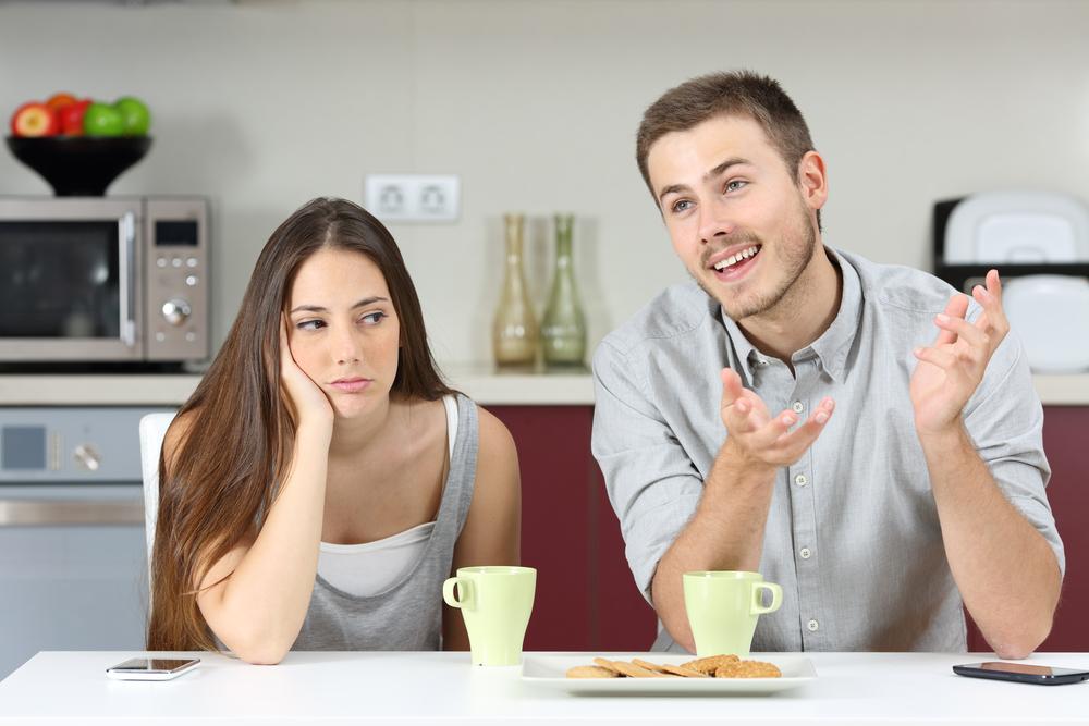 ملامح الزوجة السلبية تجاه زوجها من علامات الملل