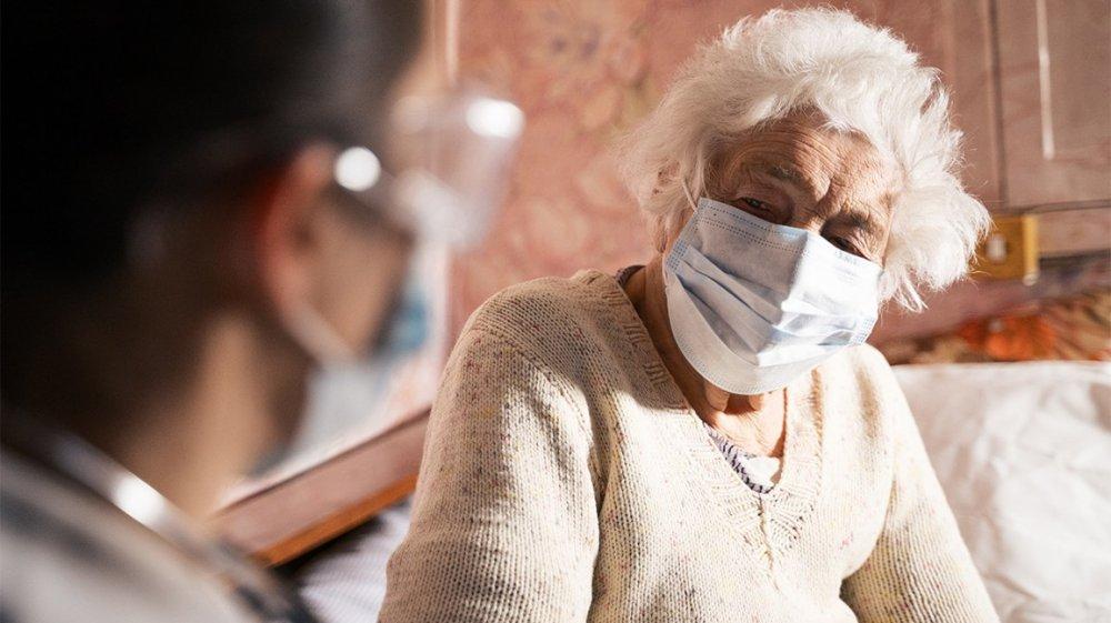 أعراض كورونا لدى كبار السن أكثر حدة من غيرهم