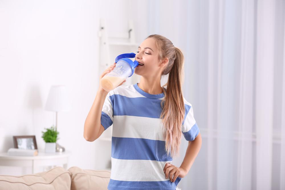 رجيم البروتين يستلزم شرب الماء وممارسة النشاط البدني لضمان نجاحه