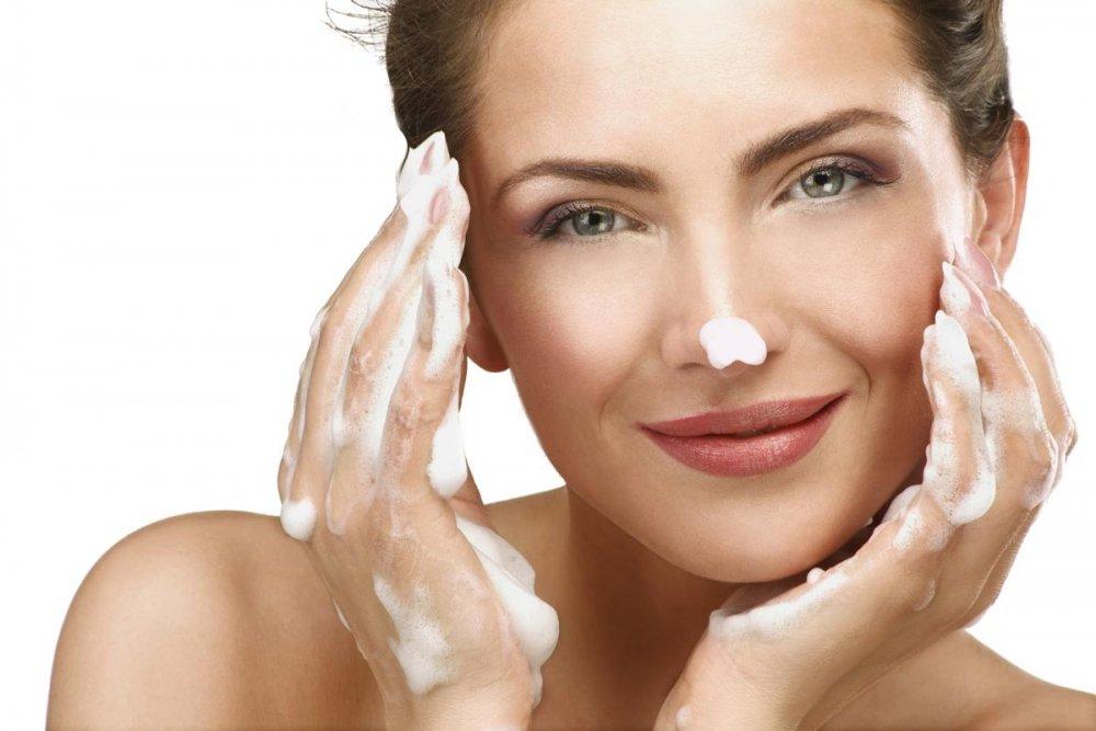 فوائد واضرار صابون الكبريت على البشرة والشعر - مجلة هي