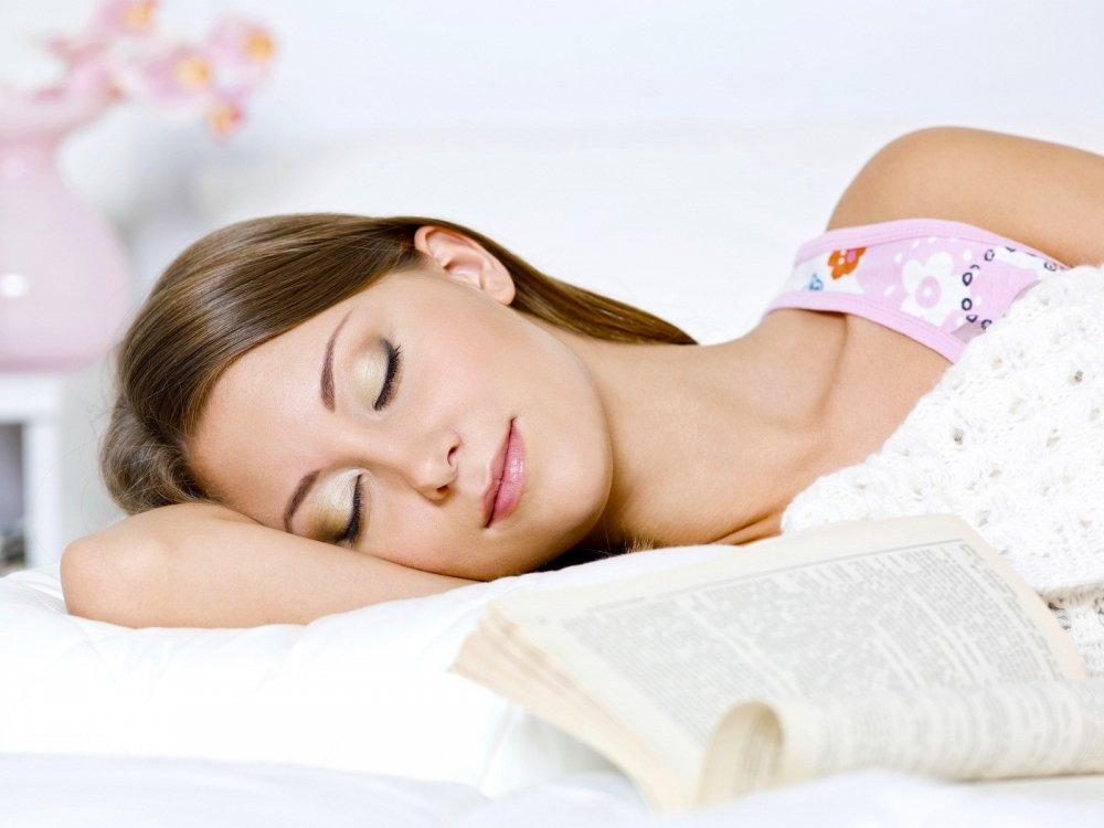 النوم لساعات كافية يومياً يحمي من امراض القلب