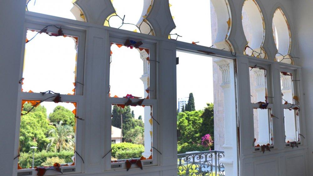نوافذ متحف سرسق بعد تكسر نوافذها إثر انفجار بيروت
