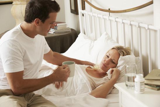 من نصائح للزوج لدعم زوجته المصابة بسرطان الثدي مضاعفة الإهتمام بها