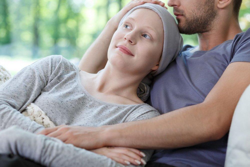 من نصائح للزوج لدعم زوجته المصابة بسرطان الثدي تحسين مزاجها والتخفيف عنها