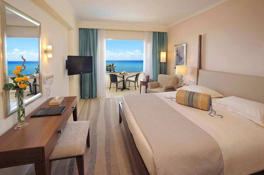 فندق الاسكندر بين أجمل الفنادق الفاخرة في قبرص