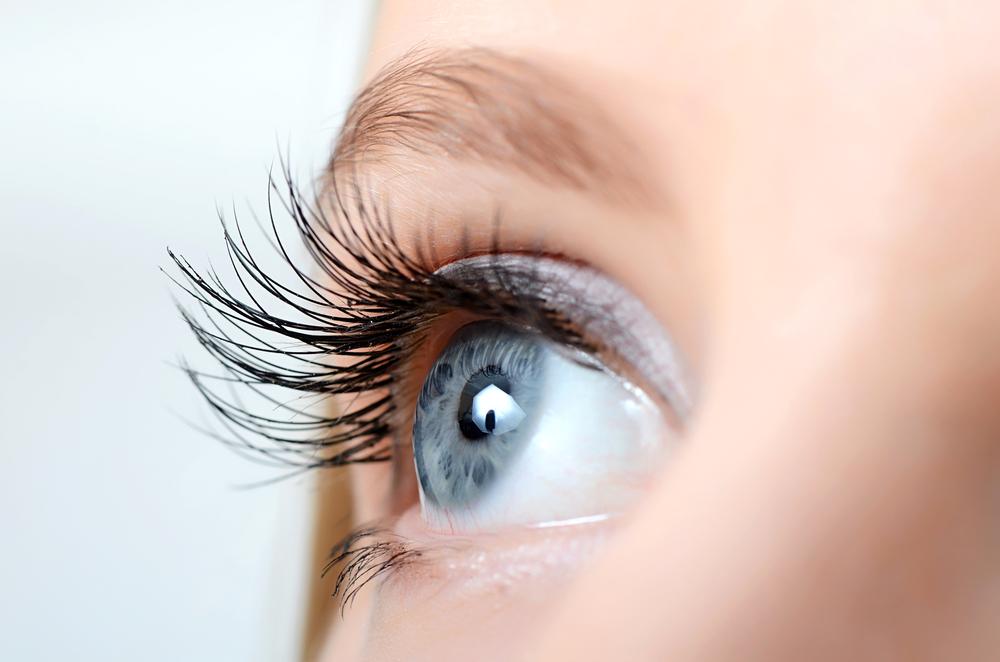 سنستعرض لك طرقًا مختلفة لتفتيح بياض العين