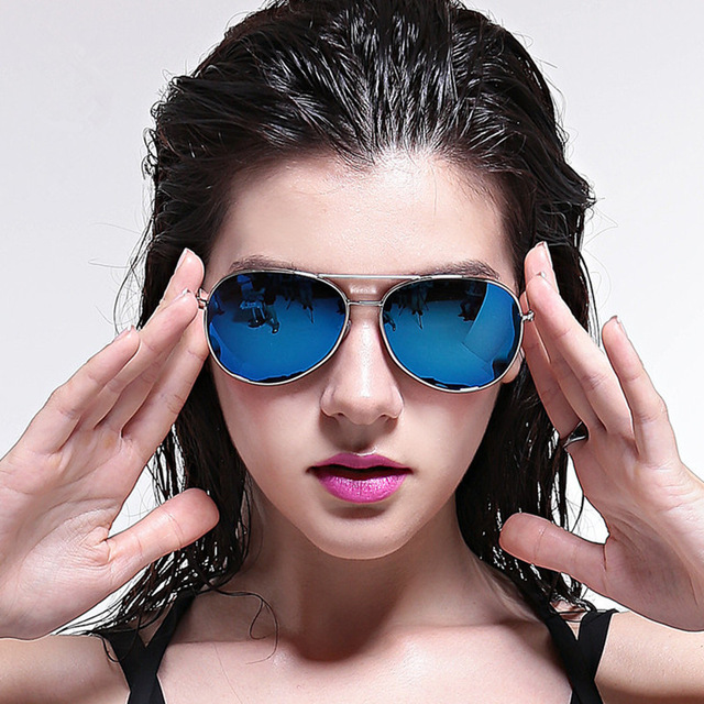 3b3229205 كيف تختارين النظارة الملائمة لشكل وجهك؟ - مجلة هي