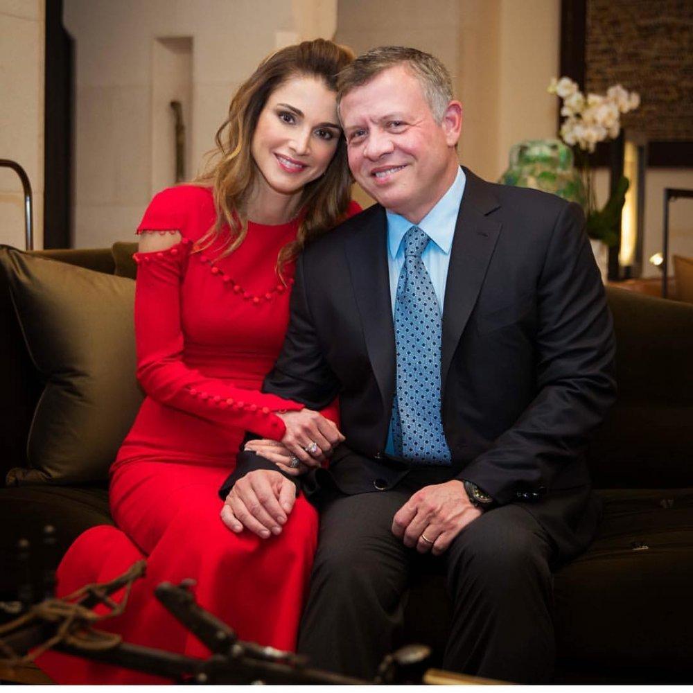 afea98242 بالصور مقتطفات من حياة الملكة رانيا والملك عبدالله في الذكرى السنوية  لزواجهما - مجلة هي