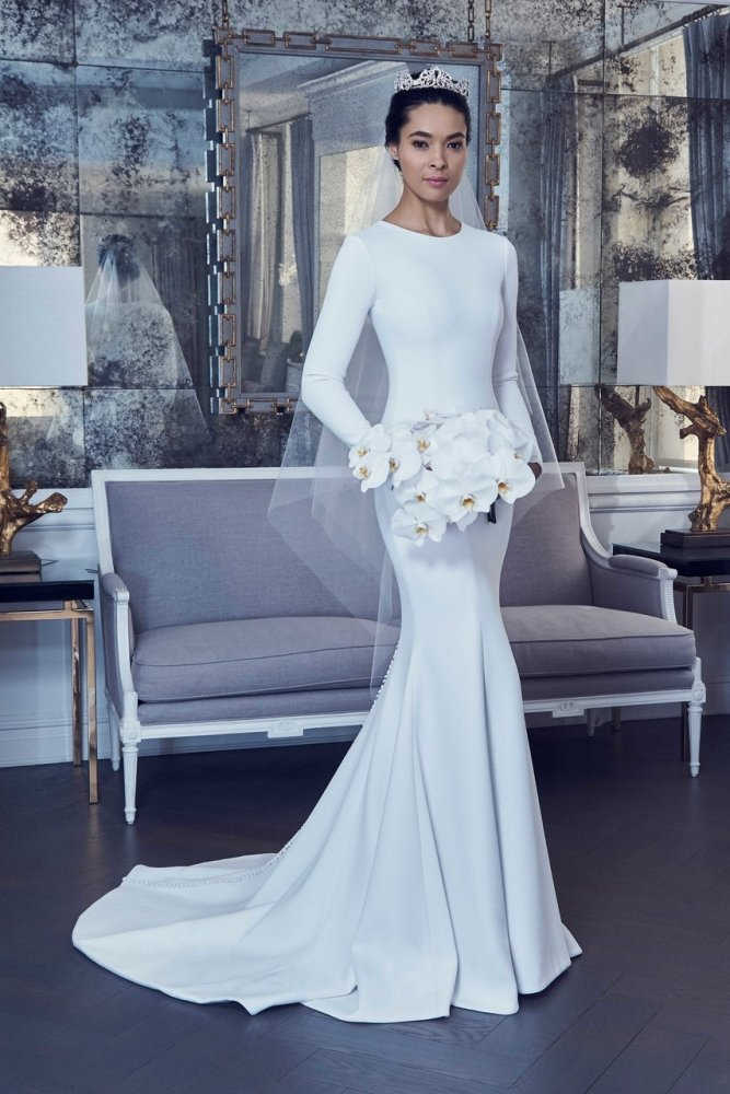 890a370182fee احدث فساتين زفاف تناسب المحجبات لربيع 2019 - مجلة هي